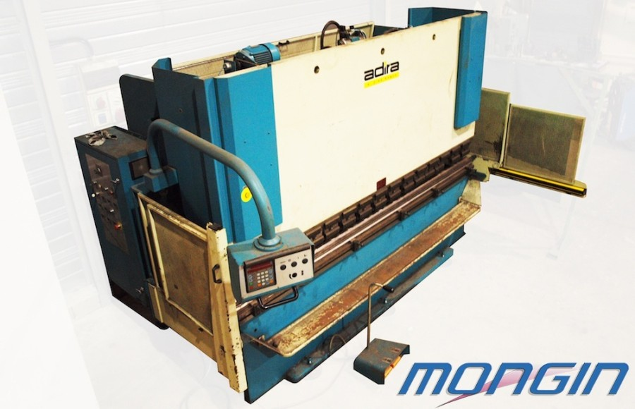 Machine for industrial sheet metal.